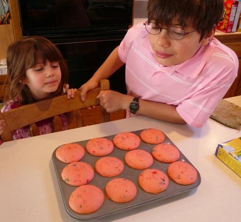 cupcakesfromoven.jpg