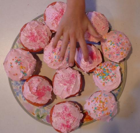 cupcakesgrab.jpg